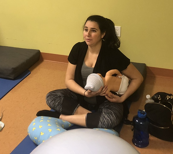 Nurse Jackie teaches breastfeed and burping positions